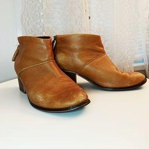 TOMS Lelia Bootie- Cognac